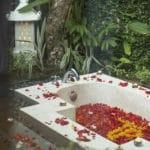 bali-bath-petals