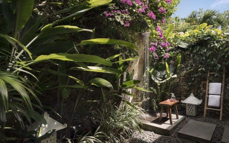 03_Garden_Villa_10_Bathroom_angle_1_Bali