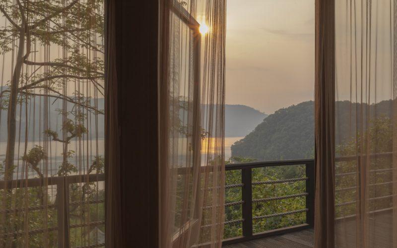 Himalayas Lake View- Sunrise room