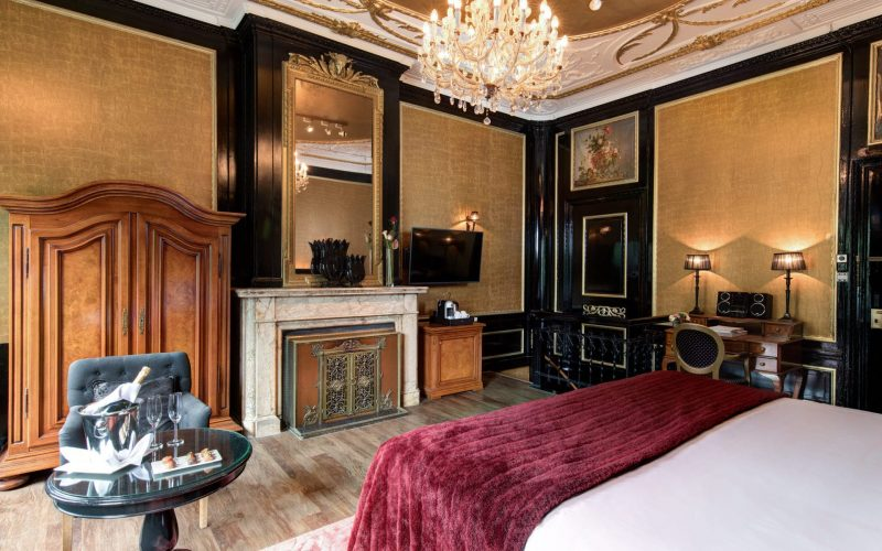 Amsterdam_royal-suite-1