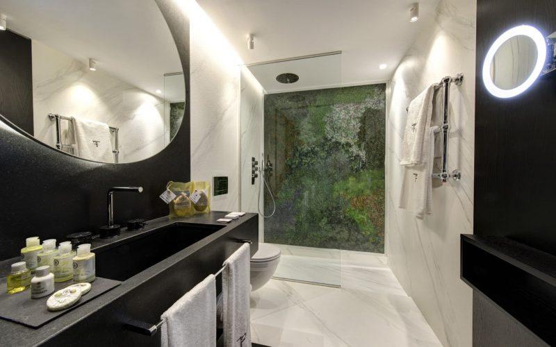 Madrid - Executive King Bathroom