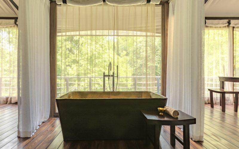 Himalayas Lake View- Villa 2- Bathtub